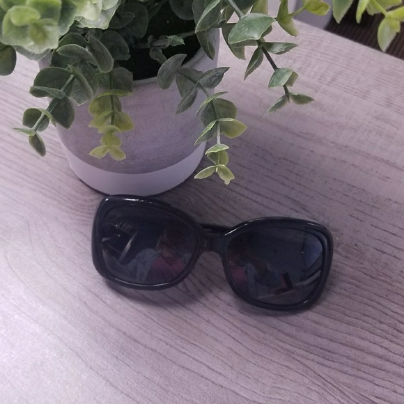 e63808a2b0e M 5b232eeffe515193055bf70a. Other Accessories you may like. Versace Cat Eye  Style Violet Gradient Lens